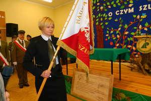 Szkoła w Galinach ma swój sztandar