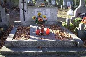 Mazurskie cmentarze: Gdzie tylko myśli i modlitwy błądzą...