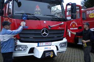 Nowy pożarniczy mercedes trafił do Brzozia Lubawskiego