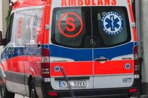 Czołowe zderzenie osobówek na DK63. Jeden z kierowców trafił do szpitala