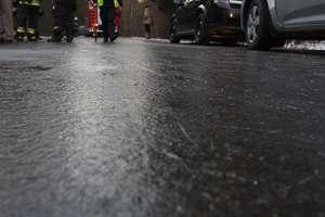 Uwaga! Na drogach i chodnikach będzie bardzo ślisko!
