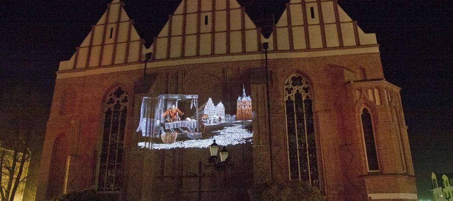 Trójwymiarowy film został wyświetlony na ścianie katedry