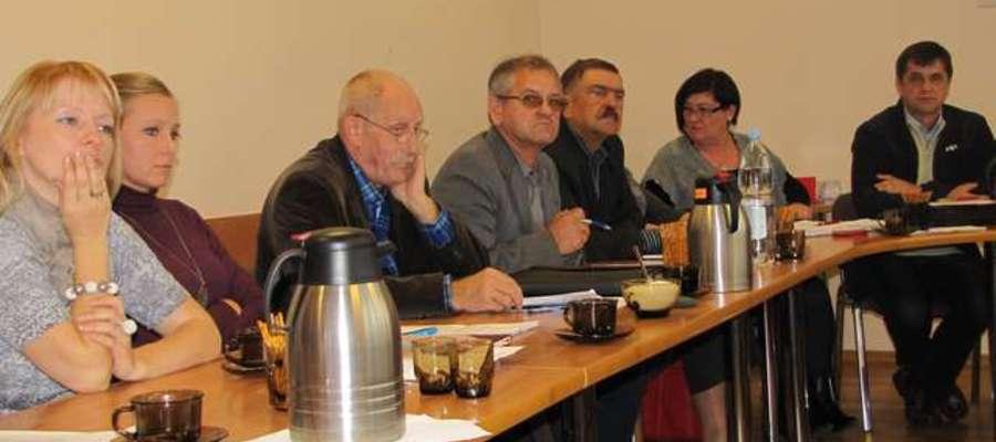 Podczas sesji Rady Miejskiej w Pozezdrzu (zdjęcie archiwalne). Pierwszy z prawej - Bohdan Mohyła