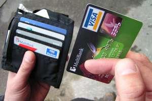 Ukradła portfel z pieniędzmi i kartą bankomatową