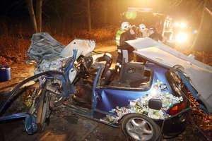 Omal nie spłonęli żywcem. Honda stanęła w płomieniach pod Olsztynem
