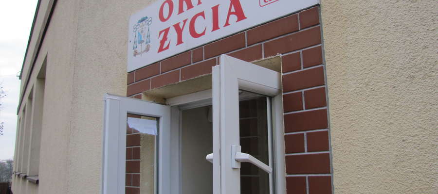 Okno życia w Ełku. Tu pozostawiono dziewczynkę