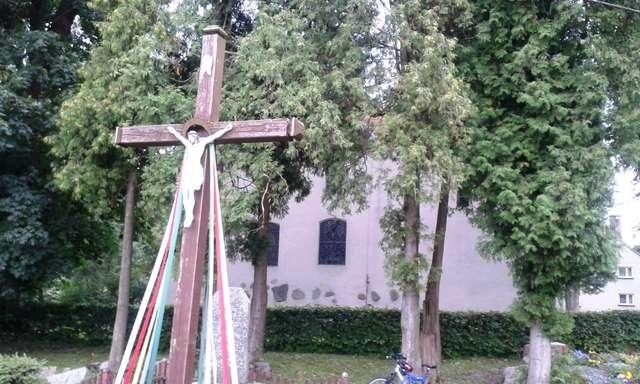 Pomnik poległych w Nakomiadach - full image