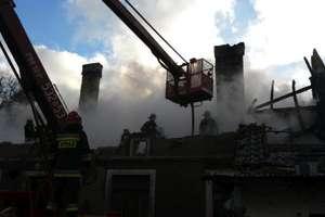 Niemal 7 godzin strażacy zmagali się z pożarem w Bartach