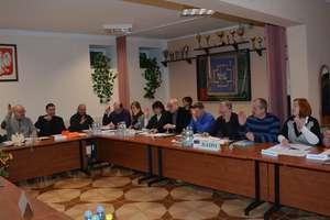 Rada uchwaliła budżet gminy i zarobki wójta