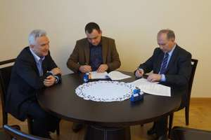 Podpisanie umowy na informatyzację Starostwa
