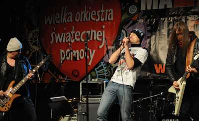 https://m.wm.pl/2015/01/z5/wosp-koncert2-ms-226835.jpg