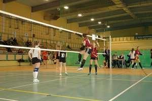 Uczennice z Wydmin wygrały turniej siatkówki w Węgorzewie