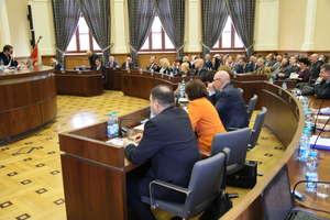 IV sesja Rady Miasta. Nie tylko kierowcy cierpią przez roboty tramwajowe