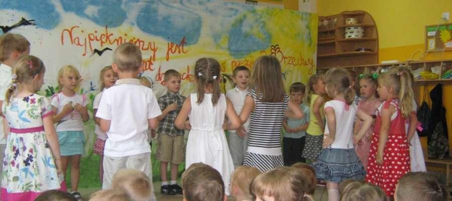 Maluchy w przedszkolu na Hożej