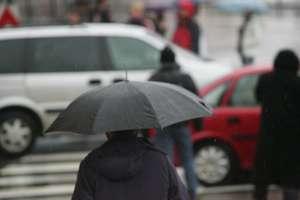 Deszczowo, wietrznie i zimno. Sprawdź prognozę pogody na najbliższe dni