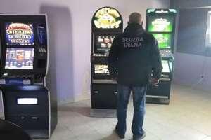 Celnicy skonfiskowali 68 automatów do gier