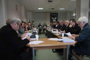 Radni nie uchwalili nowych zarobków burmistrza