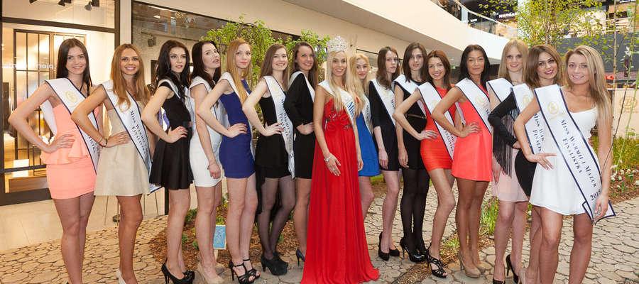 Paulina Kurpińska (na zdjęciu pierwsza z lewej) została finalistką 25 konkursu Miss Warmii i Mazur 2015.