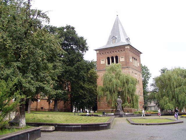 Kościół w Drohobyczu. Komuniści ołtarzami palili w piecach - full image