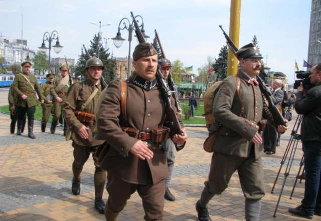 W Winnicy Polacy i Ukraińcy symbolicznie odnowili sojusz  - full image