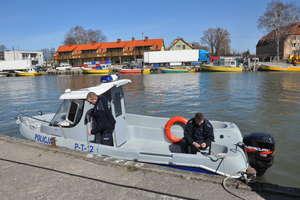 Policyjna łódź zwodowana. Funkcjonariusze szykują się do sezonu