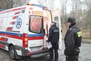Dramatyczna sytuacja w Olsztynie. Siekierą zaatakował ratowników medycznych