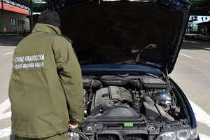 Dwa nielegalne modele BMW i naczepę cysterny zatrzymano na granicy