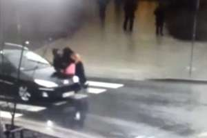 Pijany potrącił pieszą i uciekł. Samochodem odjechała pijana pasażerka