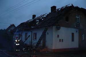Pięć rodzin straciło w pożarze dach nad głową. Jedna osoba zaginiona