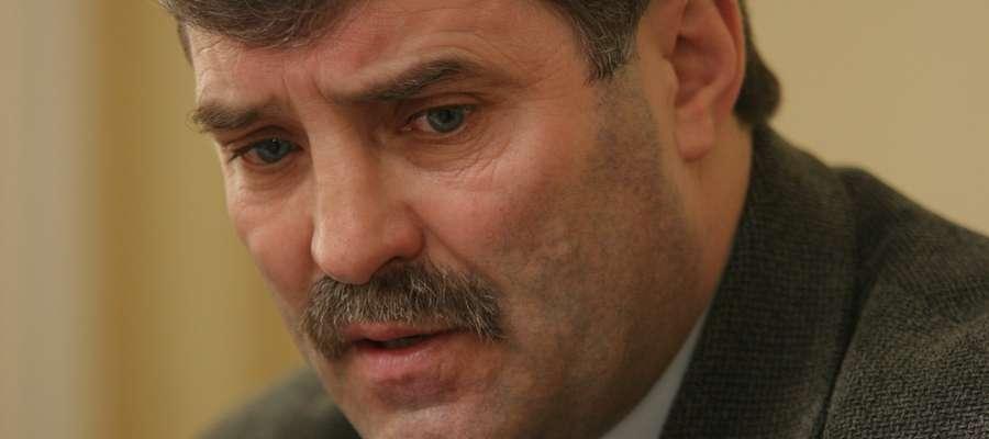— Kłopoty wcale nie są przejściowe, ale długofalowe — mówi Wiesław Domian, wiceprezes zarządu KZRKiOR, któremu komornik ściągnął z prywatnego konta już 34 tysiące złotych