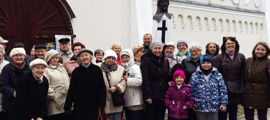 Uczestnicy wycieczki, członkowie Stowarzyszenia Mniejszości Niemieckiej w Iławie