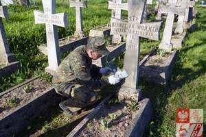 Wolontariusze odnowili kwatery żołnierzy polskich poległych w walce z bolszewikami