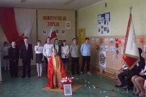 Konstytucja 3 maja w Szkole Podstawowej im. Jana Pawła II w Napiwodzie