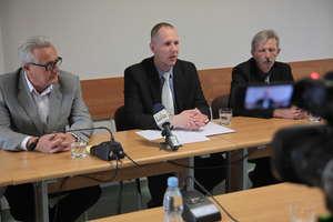 Konferencja z burmistrzem: dofinansowania, konkursy na dyrektorów, inwestycje