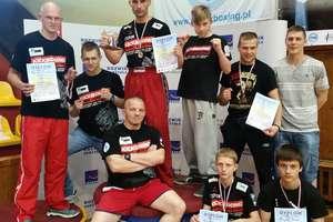 Ośmiu zawodników wróciło z Mistrzostw z pięcioma medalami