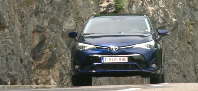Nowa generacja czy tylko facelifting? Nowa odsłona Toyoty Avensis - full image