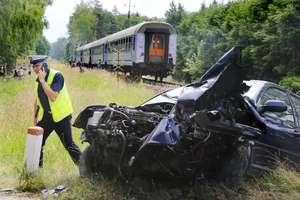 Wypadek na niestrzeżonym przejeździe kolejowym pod Olsztynem