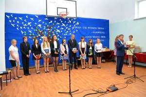 Uroczysta akademia z okazji zakończenia edukacji w gimnazjum w Pieniężnie