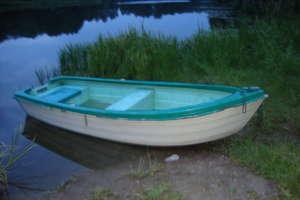 Ukradli łódkę, bo nie chciało się im iść piechotą...