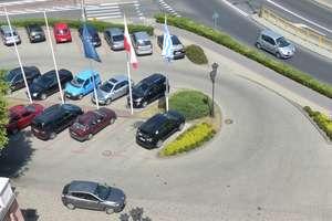Uwaga — przy ratuszu i kinoteatrze nie zaparkujesz