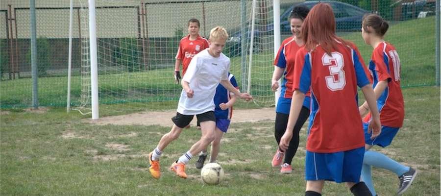 Podczas pikniku odbył się mecz piłki nożnej