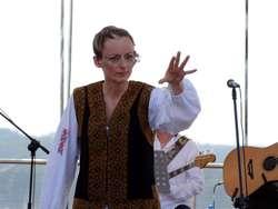 Ola Turkiewicz podczas występu w Mrągowie na koncercie Projekt Arboretum