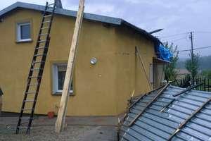 Wiatr zrywał dachy i przewracał drzewa