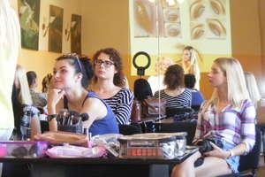 Akademia Piękna - Kurs makijażu w Pieckach