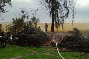 Piorun zapalił stodołę, pożaru nie przeżyła krowa