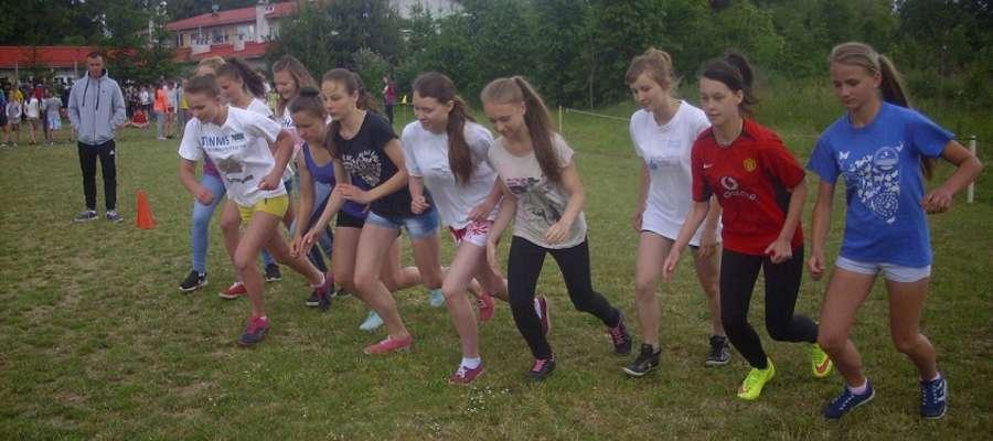 108 biegaczy rywalizowało w Lipowinie