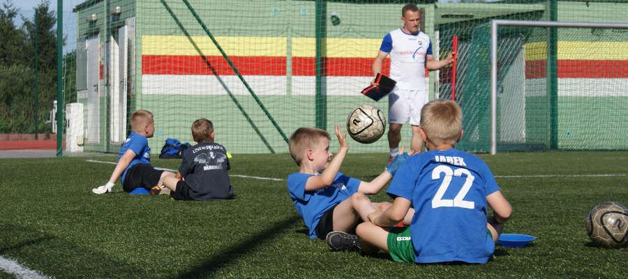 Kluby z regionu dbają także o szkolenie młodzieży. Na zdjęciu dzieci z obozu, który odbył się w Jegłowniku