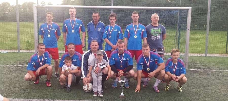Zwycięska drużyna z Klonowa