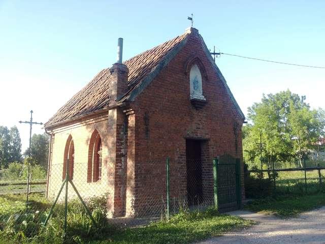 Kaplica w Linowie zbudowana w latach 20-tych XX wieku