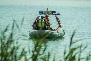 Tragedia na jeziorze Bartąg. Wnuk odnalazł ciało i dryfującą łódź